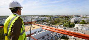 Photographie d'une visite de chantier depuis la Résidence Panorama, à Champs-sur-marne, avec la présence de Nicolas Ferrand
