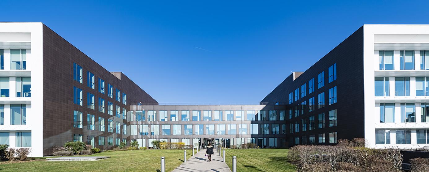 Photographie de l'immeuble de bureaux Citalys dans le quartier des affaires de Montévrain