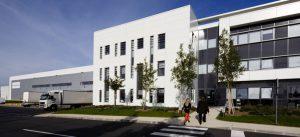 Un bâtiment d'activité dans la ZAC du Chêne Saint-Fiacre à Chanteloup-en-Brie : Arvato Healthcare