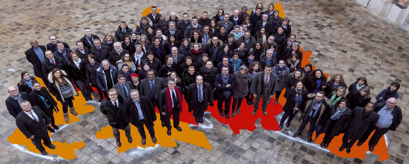Photographie d'équipe des salariés EPAMARNE/EPAFRANCE, siège social de l'entreprise situé à Noisiel