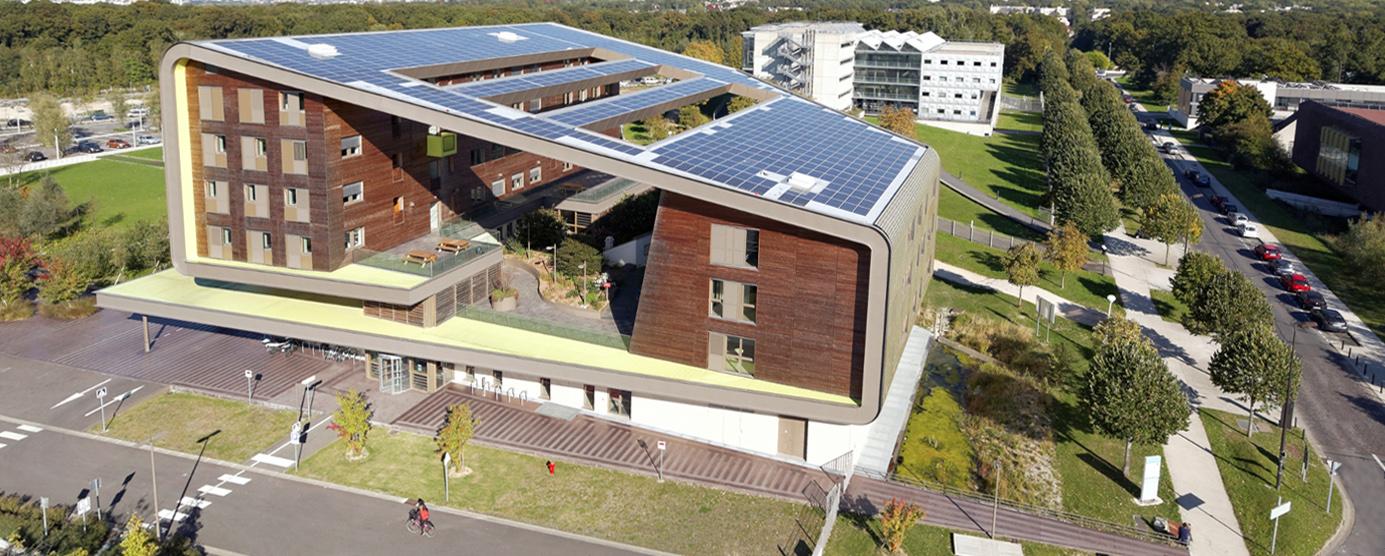 photographie aérienne du bâtiment ENPC-Coriolis, Ecole d'architecture et Bibliothèque universitaire dans la campus de la Cité Descartes à Champs-sur-Marne