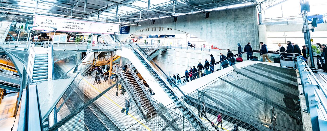 Photographie de la gare TGV de Marne-la-Vallée - Chessy dans la station touristique du Val d'Europe (Disneyland-Paris)
