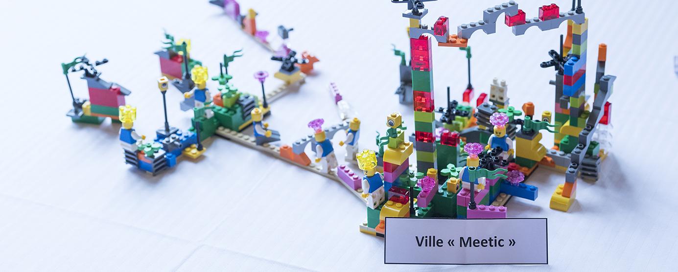 Construction en LEGOS réalisé lors du séminaire interne EPAMARNE/EPAFRANCE, à Noisiel