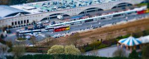 Vue aérienne de la gare routière de Disneyland-Paris, à Marne-la-Vallée
