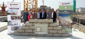 Photographie de la pose de la première pierre du programme de logements Victoria park - le 21 juin 2017