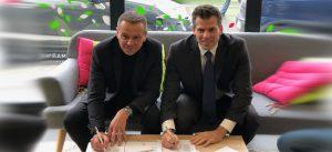 Photographie des deux signataires de la charte de l'écoquartier Montévrain