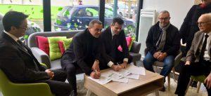 Photographie des deux signataires de la charte de l'écoquartier de Montévrain
