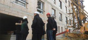 Visite d'équipe sur le chantier de la résidence Crédit Agricole BBCA, à Noisiel