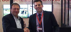 Photographie de Jean-Baptiste REY et Éric QUERRY après la signature du partenariat entre Certivea et EPAMARNE, au SIMI 2017