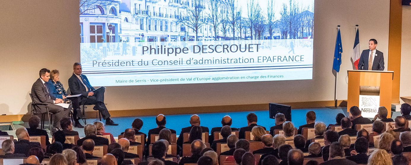Philippe Descrouet, président du Conseil d'administration d'EPAFRANCE, s'exprime devant l'assemblée présente lors de la cérémonie des voeux 2018, à Noisiel