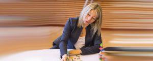 Portrait de Patricia Ficarelli, archiviste à EPAMARNE (au siège social de l'EPA, à Noisiel)