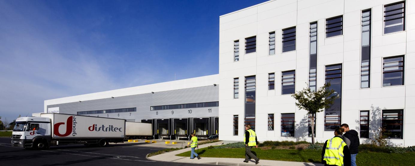 Photographie des locaux d'activités logistiques et bureaux de l'entreprise Arvato Healthcare - ZAC du Chene Saint Fiacre à Chanteloup-en-Brie