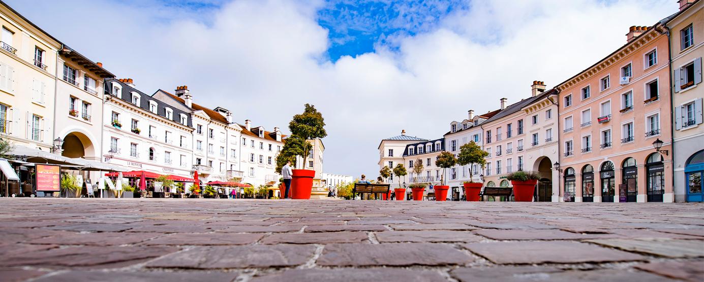 La Place de Toscane dans le Quartier du Parc - Centre urbain du Val d'Europe