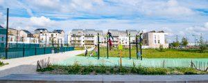 Photographie de l'écoquartier de Montévrain : Aire de jeux aux abords du programme de logements Métaflore