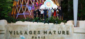 Photographie de groupe prise lors de l'inauguration de Villages Nature Paris
