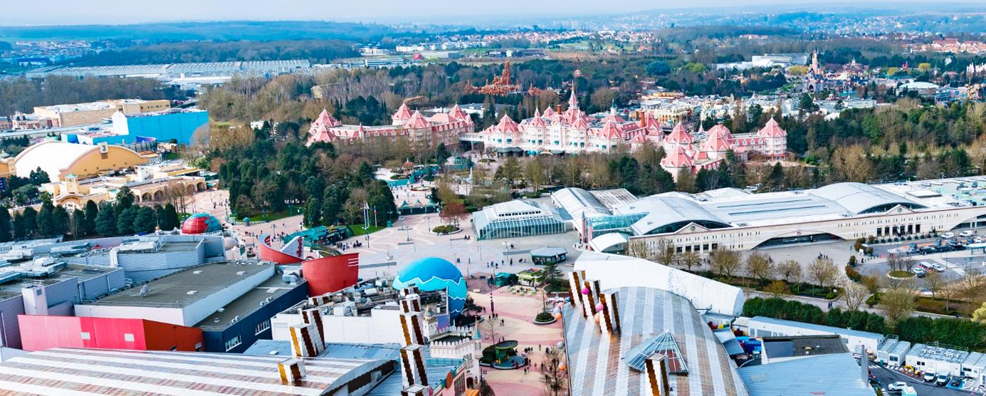 Vue aérienne de la station touristique Disneyland-Paris