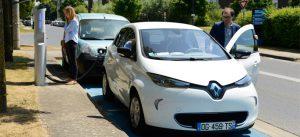 Station d'autopartage pour les véhicules électriques à la Cité Descartes