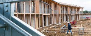 I3F réalise un programme exemplaire de 30 logements sociaux à Chanteloup-en-Brie, qui intègre trois composantes essentielles pour réduire les délais de construction et augmenter la performance environnementale : la maquette numérique BIM, la construction bois et la labellisation BEPOS.