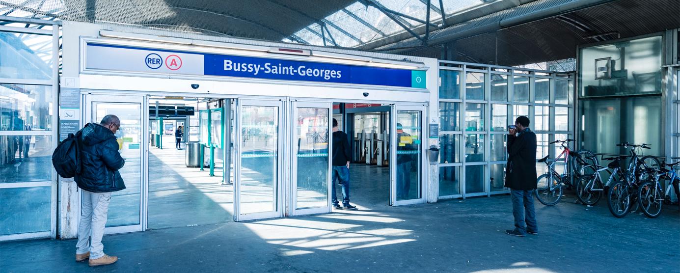 L'entrée du RER A à Bussy-Saint-Georges, du côté de la place Fulgence Bienvenüe